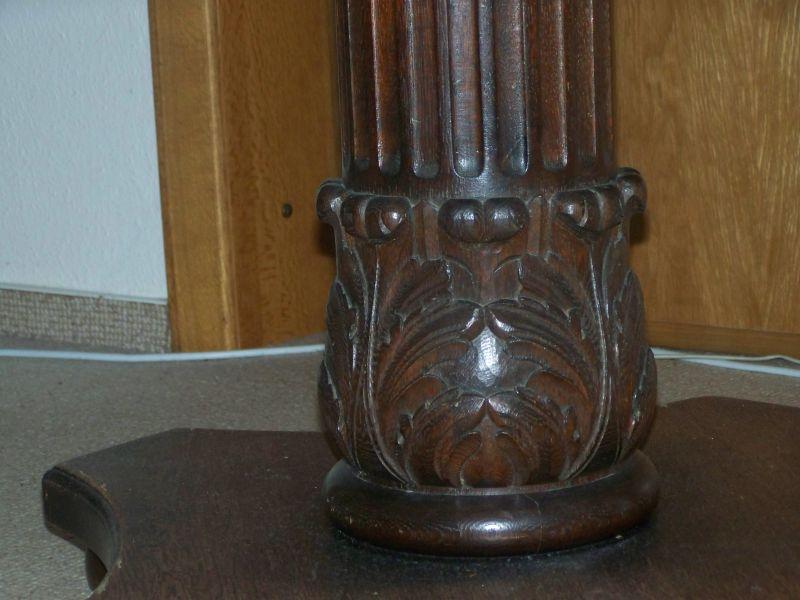 antiker runder tisch und 3 passende st hle oldthing ausziehtische. Black Bedroom Furniture Sets. Home Design Ideas