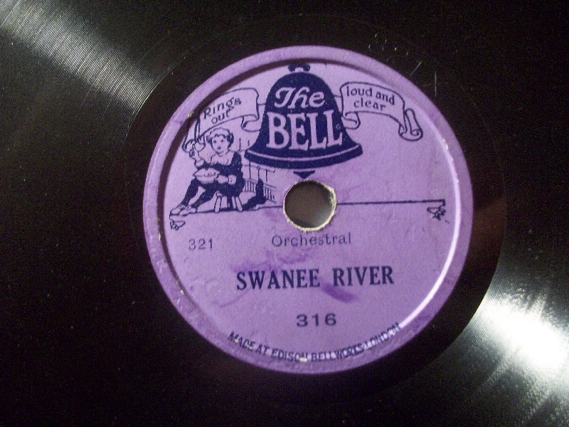 SWANEE RIVER / What'LL I do?  The Bell 13,5cm 78rpm record for Toyphonographs