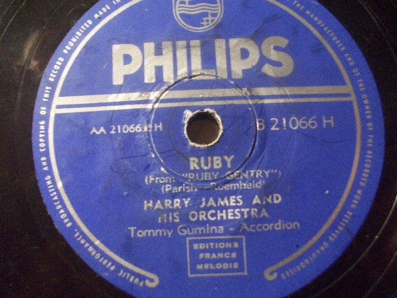 HARRY JAMES & HIS ORCHESTRA - TOMMY GUMINA, Accordion