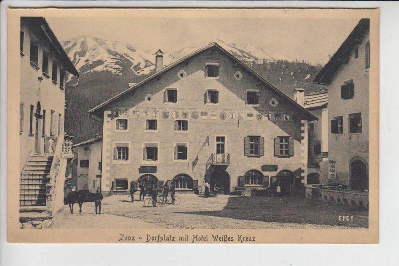 CH 7524 ZUOZ, Dorfplatz mit Hotel Weißes Kreuz