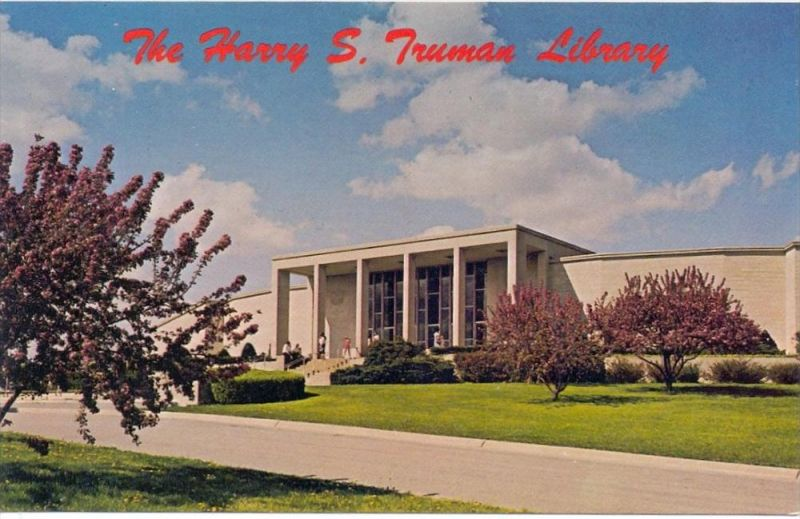 BIBLIOTHEK / LIBRARY - Harry S. Truman Library, Independence Missouri