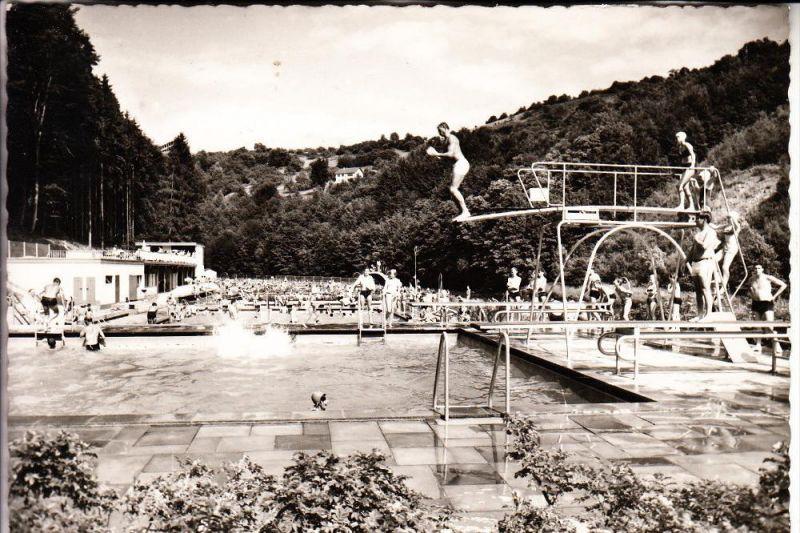 5524 KYLLBURG, Schwimmbad