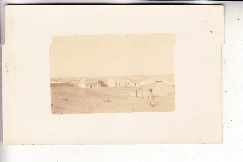 ANGOLA - MOSSAMEDES / NAMIBE, Ortsrand mit Wüste, Photo-AK