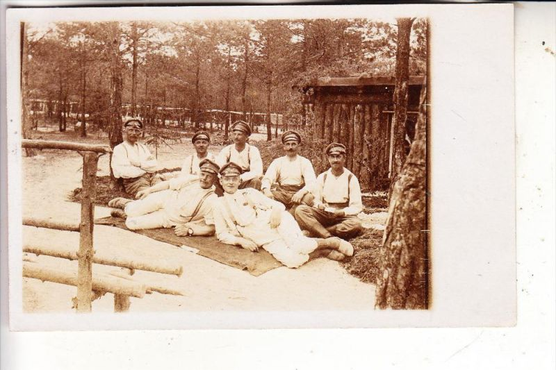 MILITÄR - 1.Weltkrieg, Champagne Lager Bayreuth, 1916, 2 ident. Photo-AK