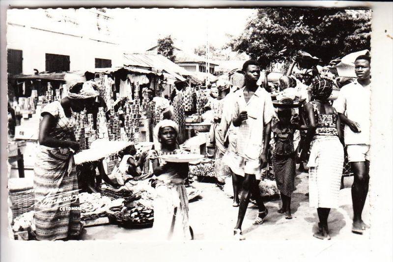 BENIN - COTONOU, Marche Legume