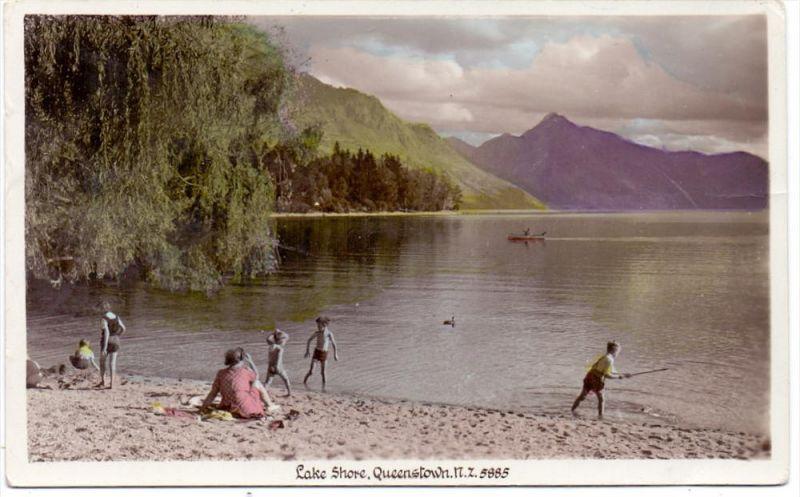 NEW ZEALAND, Queenstown, Lake Shore