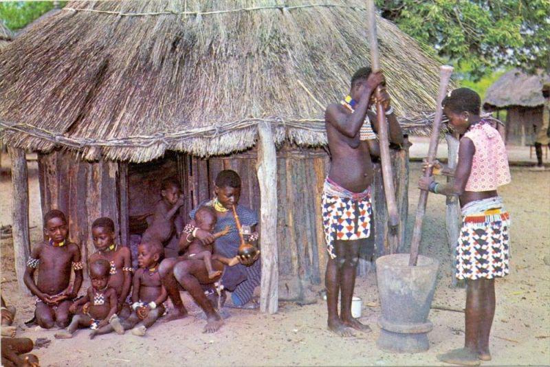 VÖLKERKUNDE / ETHNIC - Rhodesia, Btonkas Village Life