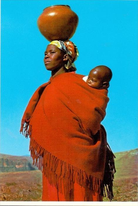 VÖLKERKUNDE / ETHNIC - Lesotho, Women with Clay Pot