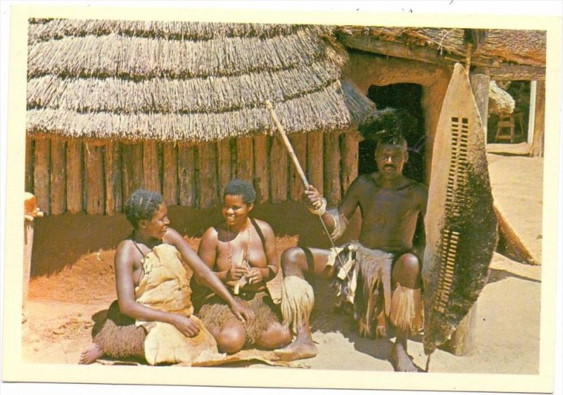 RHODESIA / SIMBABWE, Village Head with two of his Wives