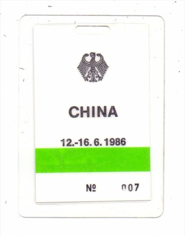 CHINA - State Viisit German President 1986, security badge 0