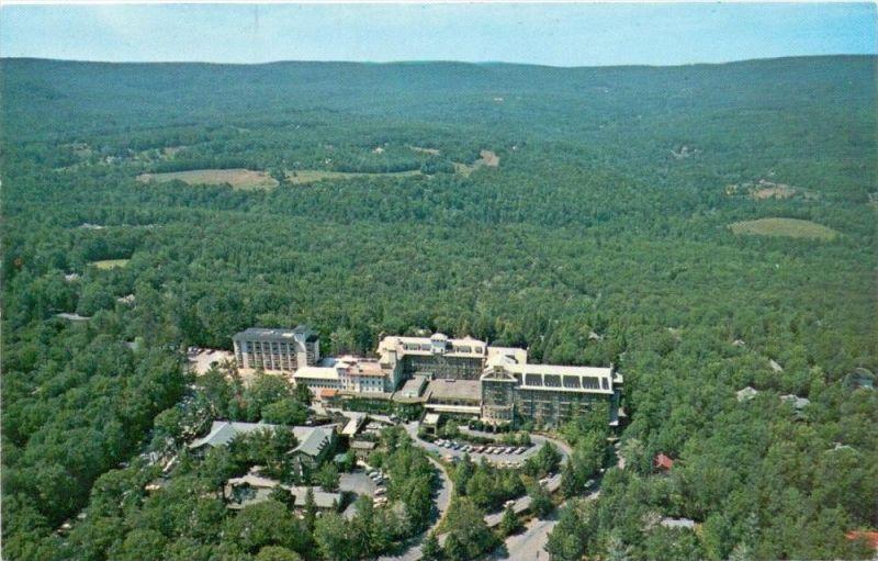USA - PENNSYLVANIA - BUCK HILL FALLS, Buck Hill Inn & Golf Club, air view