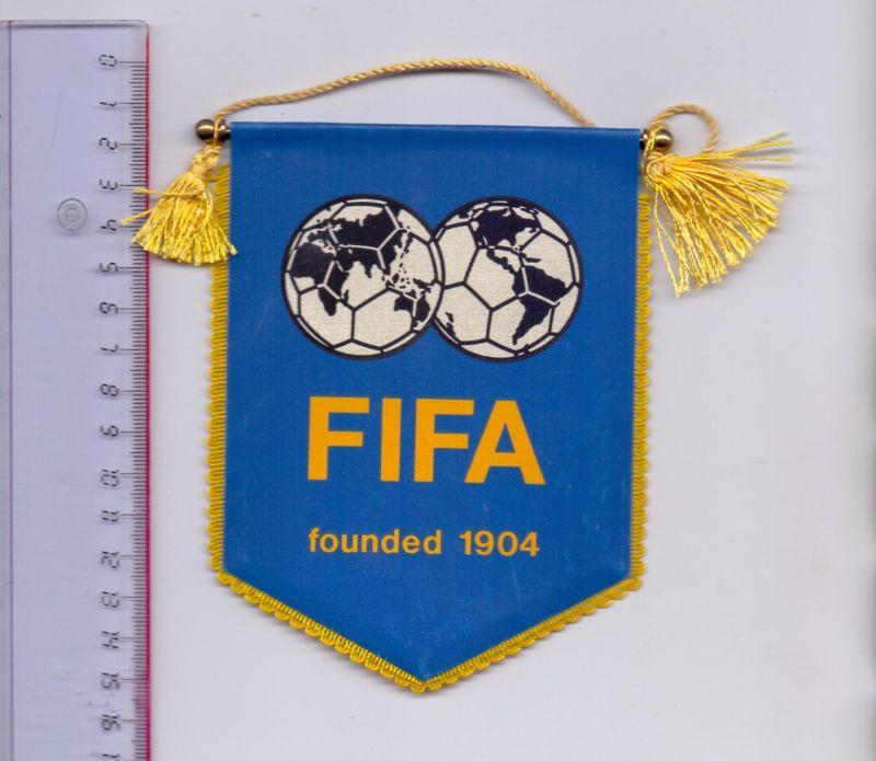 FUSSBALL - FIFA - WIMPEL, ca. 11 x 14 cm