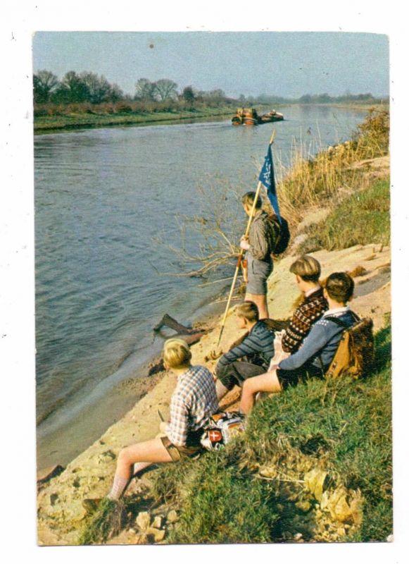 PFADFINDER / Boy-Scouts, am Mittellandkanal, Binnenschiff