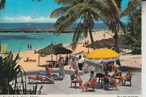 BAHAMAS, NASSAU, Paradise Beach