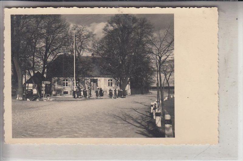 NEUMARK, ZÜLLICHAU / SULECHOW ? Photo-AK, NS-Beflaggung, 16 km nach Schwenten, 35 km nach Schlesiersee