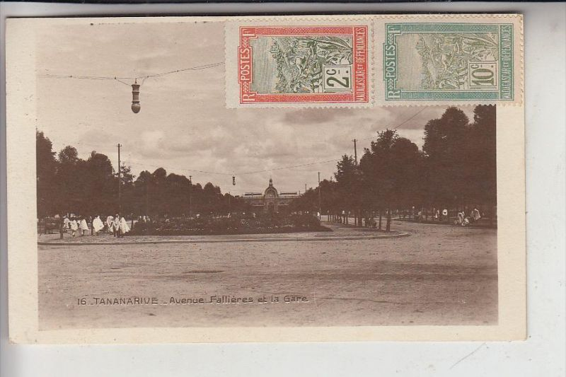 MADAGASKAR - TANANARIVE / ANTANANARIVO, Av. Fallieres et la Gare - Station - Bahnhof