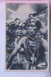 MIKRONESIEN - KAROLINEN / CAROLINES, Un sorcier para de ses fetiches / ethnic / Völkerkunde