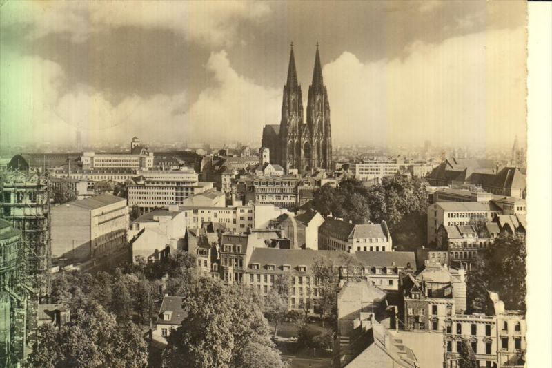 5000 KÖLN, Kirche St.Gereon, Blick auf den Dom, noch erkennbare Kriegsschäden