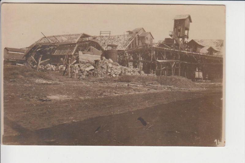 MILITÄR, 1.Weltkrieg Westfront, Photo-AK, zerstörte Gebäude