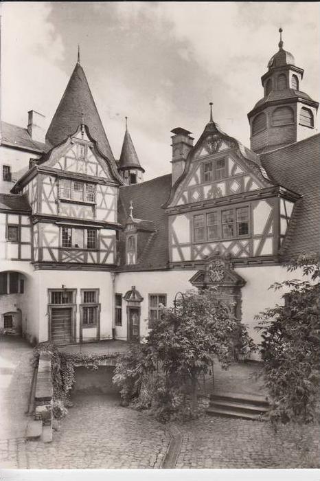 5440 MAYEN, Schloss Bürresheim, Innenhof