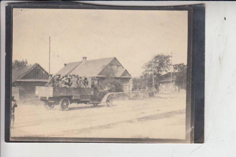 MILITÄR - 1.Weltkrieg - Transport v. Zivilpersonen, wahrscheinlich Baltikum, Photo 13 x 8,5 cm