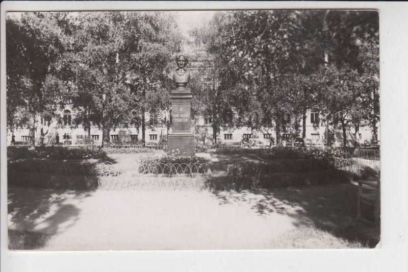 SF 90000 OULU - Photo-AK, 1942, Denkmal Frans-Michael Franzen