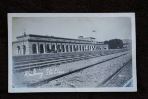 PAKISTAN - KOHAT - Railway Station, Bahnhof - La Gare - Photo - Einriss unterer Rand, cut - AF