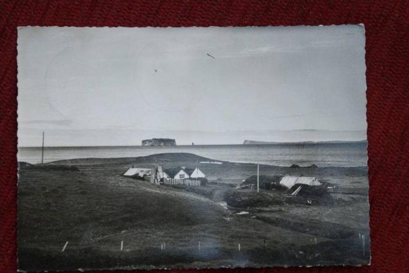 ISLAND, Drangey og baerinn Reykir