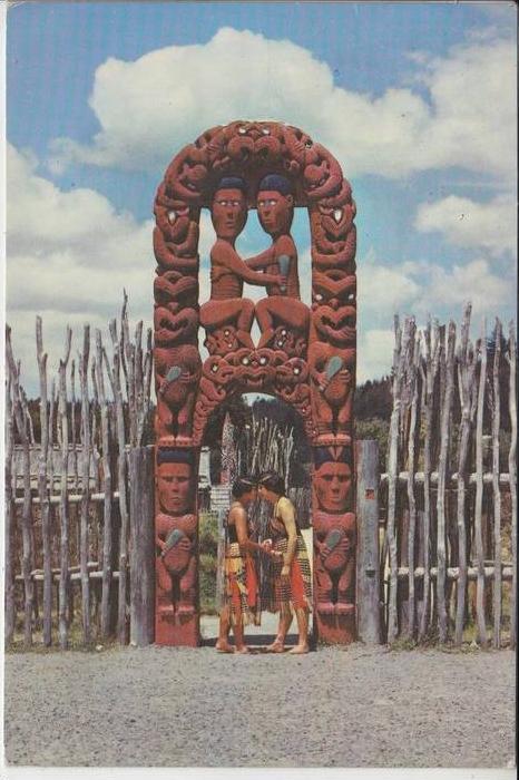 VÖLKERKUNDE - ETHNIC - MAORI MAIDENS - Whakarewarewa Roturua / New Zeeland 1965
