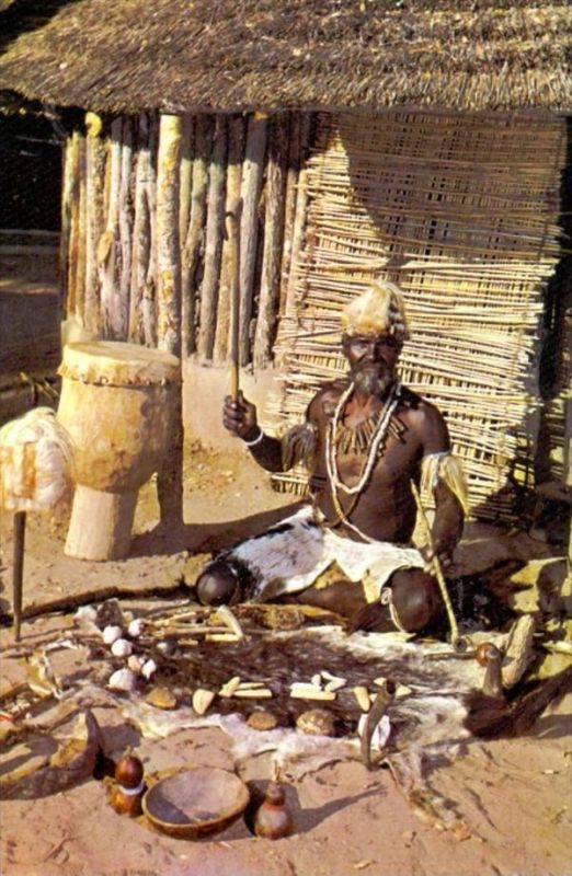 RHODESIA / SIMBABWE, African Witch Doctor