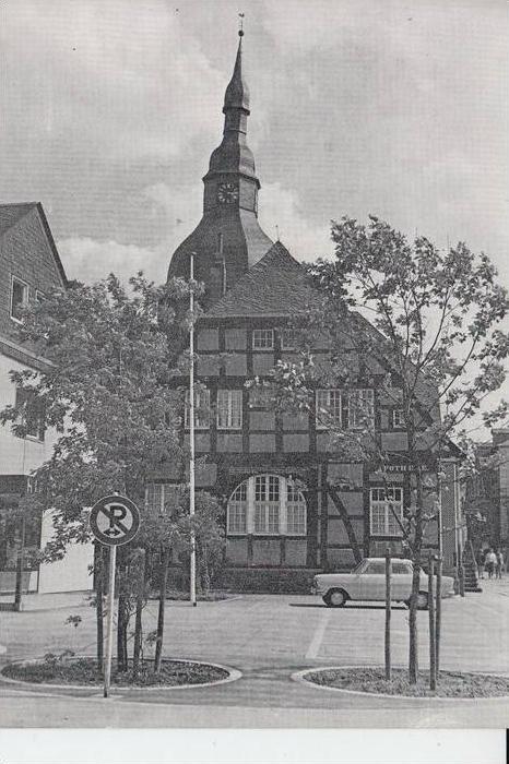 4784 RÜTHEN, Fachwerkhaus mit Kirche 0