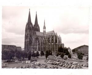 5000  KÖLN, Rheinufer, Parkplatz vor dem Kölner Dom, Oldtimer, Ende 50er Jahre