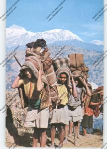 NEPAL - Sherpas around Annapurma
