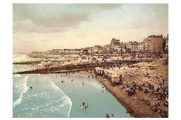 Altes Photochrome-Farbfoto Panorama von Brighton (Neudruck als Postkarte) 0