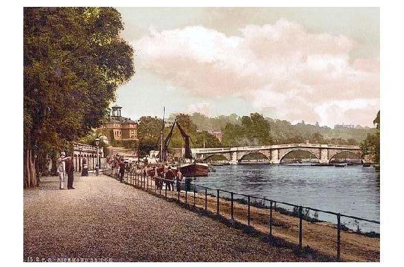 Altes Photochrome-Farbfoto Brücke in Richmond (Neudruck als Postkarte)