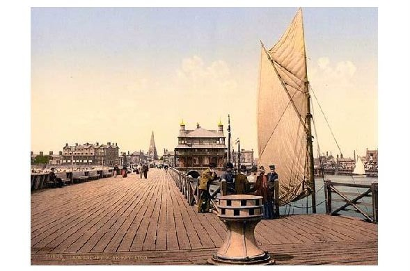 Altes Photochrome-Farbfoto Seebrücke mit Pavillon in Lowestoft (Neudruck als Postkarte)