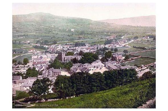 Altes Photochrome-Farbfoto Panorama von Castleton (Neudruck als Postkarte)