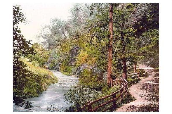 Altes Photochrome-Farbfoto Fußweg am Trothy bei Monmouth (Neudruck als Postkarte)