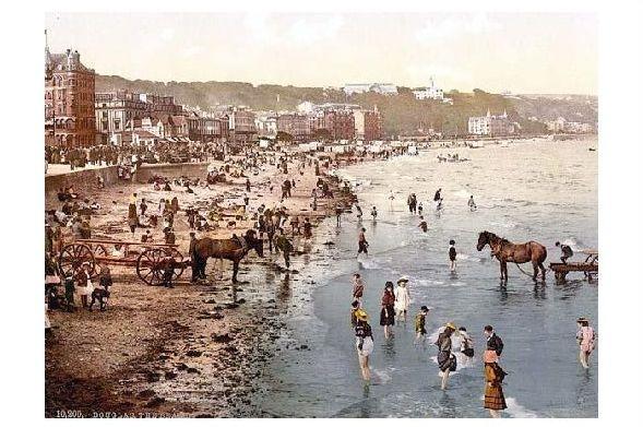 Altes Photochrome-Farbfoto Strand von Douglas auf der Insel Man (Neudruck als Postkarte)