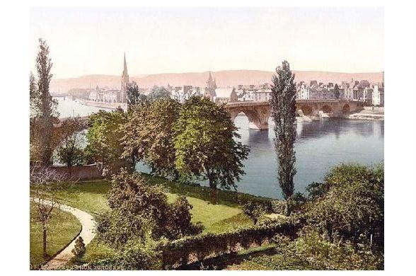 Altes Photochrome-Farbfoto Panorama von Perth (Neudruck als Postkarte)
