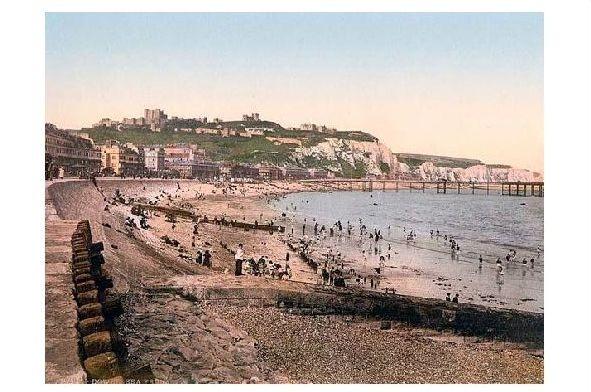 Altes Photochrome-Farbfoto Strand von Dover (Neudruck als Postkarte)