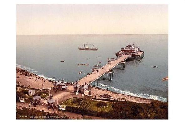Altes Photochrome-Farbfoto Seebrücke von Folkestone (Neudruck als Postkarte)