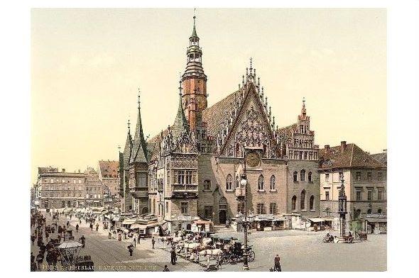 Altes Photochrome-Farbfoto Ostseite vom Rathaus in Breslau (Neudruck als Postkarte)