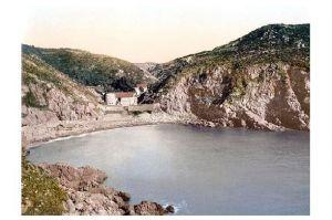 Altes Photochrome-Farbfoto Petit Bot Bay auf Guernsey (Neudruck als Postkarte)