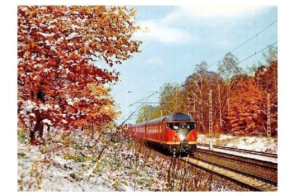 Farbfoto Dieseltriebwagen der DB in winterlicher Landschaft (Neudruck als Postkarte)