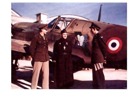 Altes Farbfoto Übergabe von Curtiss P-40 Warhawk an Freie franz. Luftwaffe (Neudruck als Postkarte)