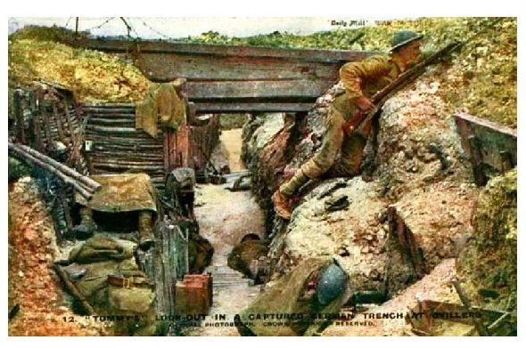 Alte Farbfoto-AK 1. WK Eroberter deutscher Schützengraben (Neudruck als Postkarte)