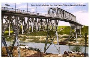 Alte Farbfoto-AK Kiel - Prinz-Heinrich-Brücke über den Kaiser-Wilhelm-Kanal bei Holtenau (Neudruck als Postkarte)