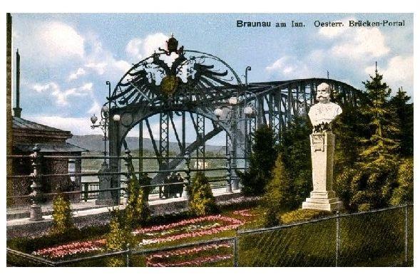 Alte Farbfoto-AK Braunau am Inn - Österreichisches Brückenportal (Neudruck als Postkarte)