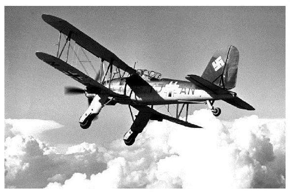 Altes Foto Doppeldecker Fieseler Fi 167 im Flug (Neudruck als Postkarte)